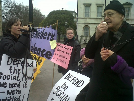 Welfare-Reform-Rev.Paul-Nicolson-Womens-group-speaking-to-public-6-151